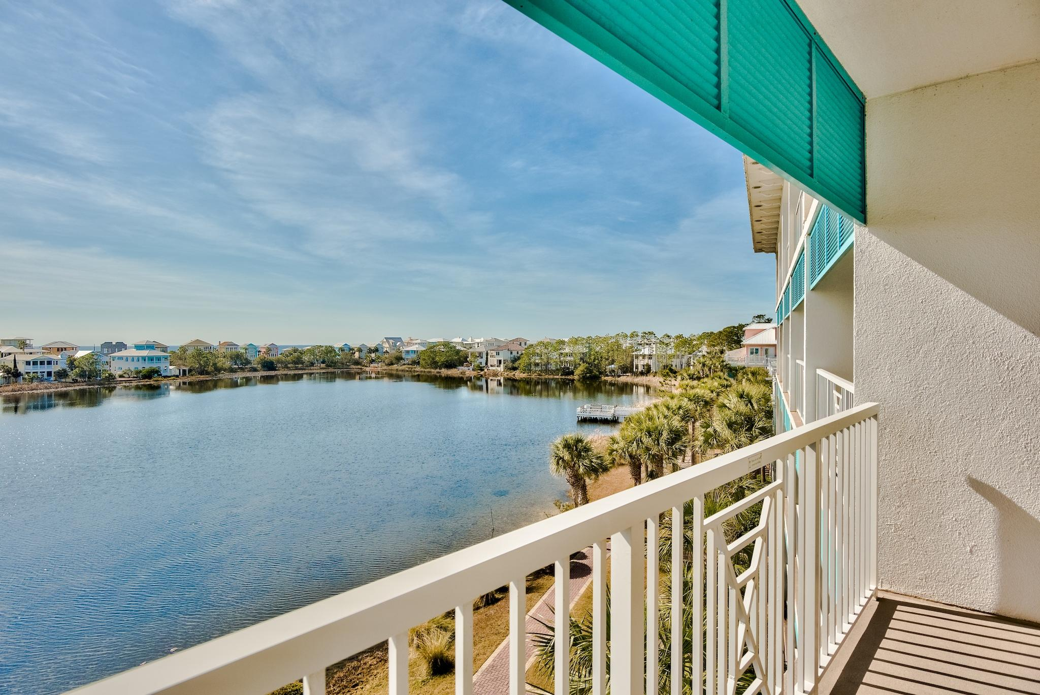 Carillon Beach Inn is perfectly located on the west end of Panama City Beach with quick access to Pi