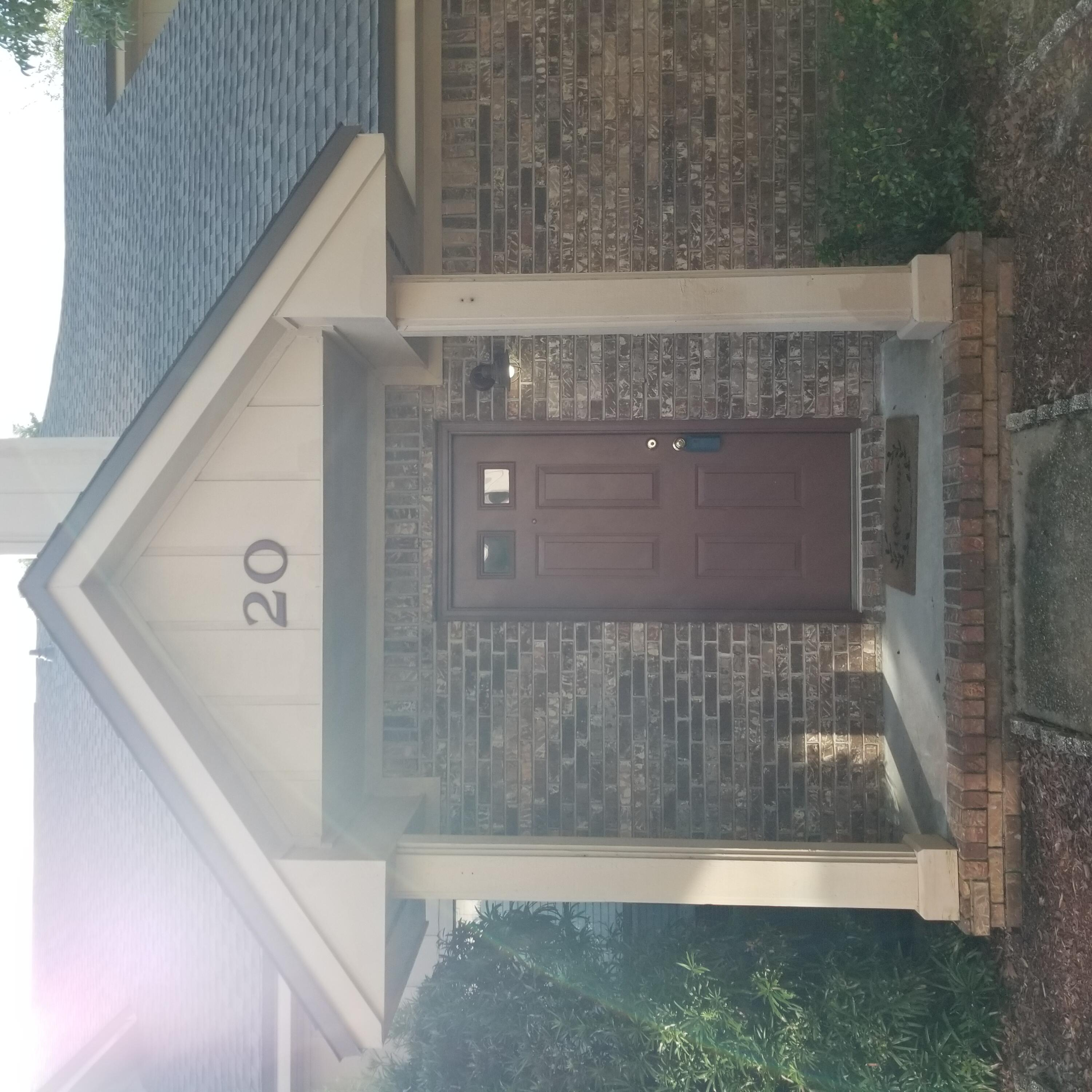 Beautiful townhouse perfect to live in or as an investment. Home has an excellent rental history and