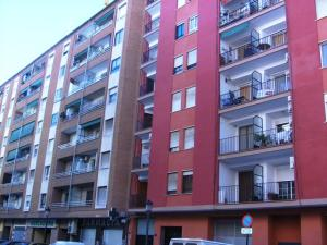 Piso En Alquileren Valencia, L Olivereta, España, ES RAH: 19-36