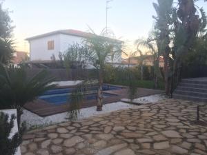 Chalet En Alquileren Valencia, Poblats Del L Oest, España, ES RAH: 20-57