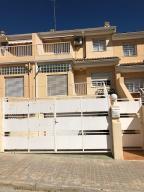 Chalet En Alquileren Valencia, Poblats Del L Oest, España, ES RAH: 20-239