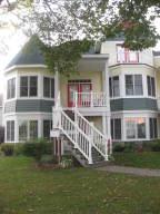 4 Mackinac Place