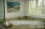 Master Bath w/ Jet Tub