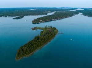 1094 S St. Ledger Island