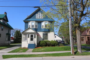 Historical home in meticulous condition , 6 bedrooms , 3 bathrooms, original woodwork , 3 floors of living space including a library , a 3rd floor guest area, that could easily become an income producing apartment , This home rivals those that have sold for much more in the same neighborhood,walking distance to the farmers market, close to the catholic school , one block from watching freighters pass through the locks. whether your new to our area or a local family making a move into a new larger home , this 1900's charmer sitting on a 60 x 165 lot with 2 car garage & fenced in yard is sure to please!