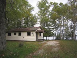 676 N W Gulliver Lake RD, Gulliver, MI 49840