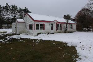 107 W Ave C, Newberry, MI 49868