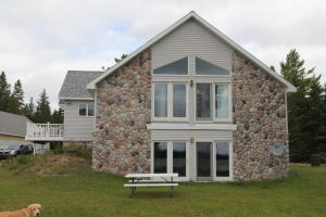 35526 E Johnswood RD, Drummond Island, MI 49726