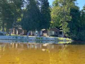 N7322 Lake BLVD, Engadine, MI 49827