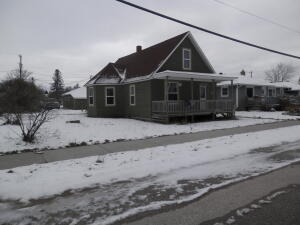 W13988 Railroad ST, Engadine, MI 49827