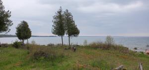 N 4562 Eagle Pointe RD, Hessel, MI 49745
