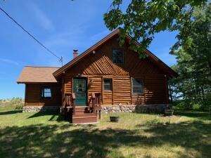 Michigan White Cedar Log Home on 200 feet of waterfront