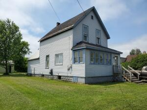 944 Maple ST, Sault Ste Marie, MI 49783