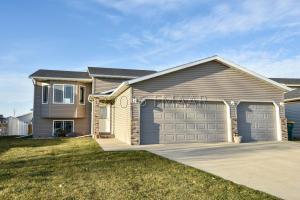 820 18 Avenue W, West Fargo, ND 58078