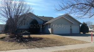 3138 25 Avenue S, Fargo, ND 58103