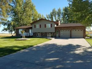 306 ELBOW Drive, Finley, ND 58230