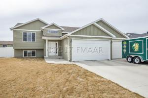 4264 31ST Avenue S, Fargo, ND 58104