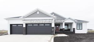 6007 WILDFLOWER Drive S, Fargo, ND 58104