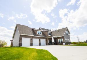 902 SUNSET Drive, Mapleton, ND 58059