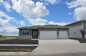 5280 8 Court W, West Fargo, ND 58078