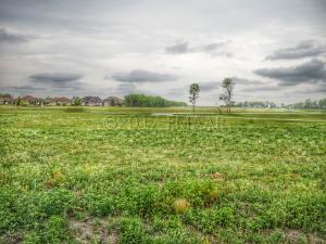 3034 PRAIRIE FARM Circle S, Fargo, ND 58104