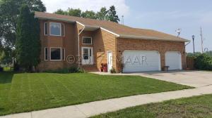 3144 9 1/2 Street N, Fargo, ND 58102