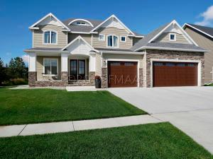 Welcome to 2514 McLeod Dr E, West Fargo in the RIvers Bend neighborhood.