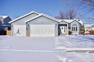 2933 37TH Avenue S, Fargo, ND 58104