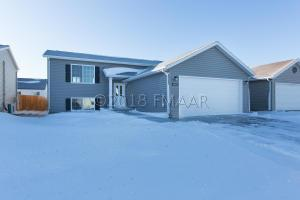 3019 32nd Avenue S, Moorhead, MN 56560