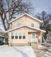 1517 4 Avenue S, Fargo, ND 58103