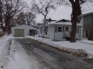 1522 9 Avenue S, Fargo, ND 58103
