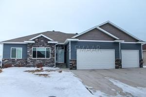 1102 SOUTHWOOD Drive, Dilworth, MN 56529