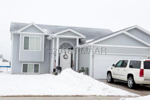 4533 11 Street W, West Fargo, ND 58078