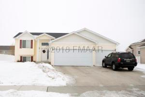 3661 TAYLOR Street S, Fargo, ND 58104