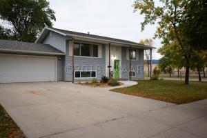 401 MAPLE Lane, Moorhead, MN 56560