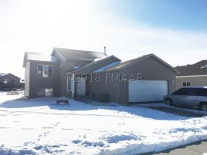 3532 EAGLE RUN Drive, West Fargo, ND 58078