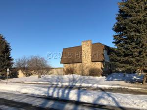 902 BELSLY Boulevard, Moorhead, MN 56560