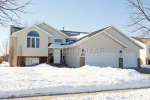 2902 37 Avenue S, Fargo, ND 58104