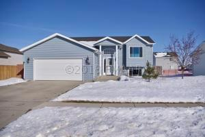 3409 8TH Street W, West Fargo, ND 58078
