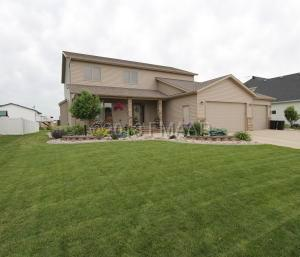 4561 WOODHAVEN Drive S, Fargo, ND 58104