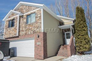 1910 20TH Avenue S, Moorhead, MN 56560