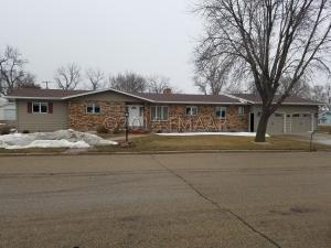 400 CEDAR Avenue W, Forman, ND 58032