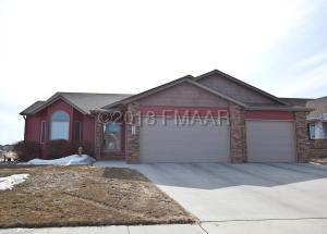 1809 PENTLAND Street, West Fargo, ND 58078