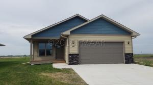 90 6TH Street E, Horace, ND 58047