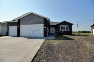 1053 WILDFLOWER Lane W, West Fargo, ND 58078