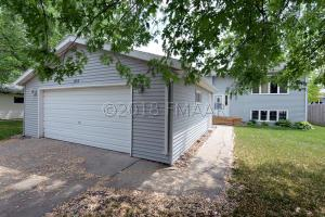 1913 4TH Avenue E, West Fargo, ND 58078