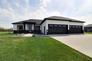 312 PRAIRIE Drive, Harwood, ND 58042