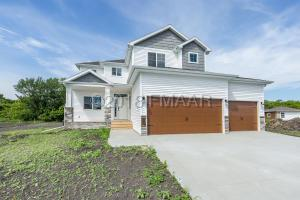 1328 GOLDENWOOD Drive, West Fargo, ND 58078