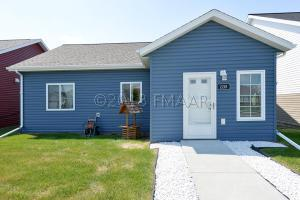 2218 57 Avenue S, Fargo, ND 58104
