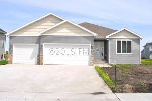 6089 AUTUMN Drive S, Fargo, ND 58104